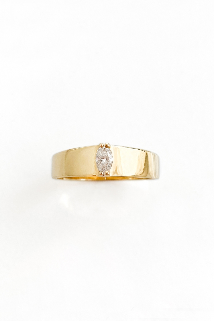 Band marquise 5 x 2'5 mm gold ring