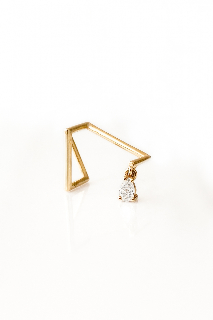 Z Pear diamond gold earring