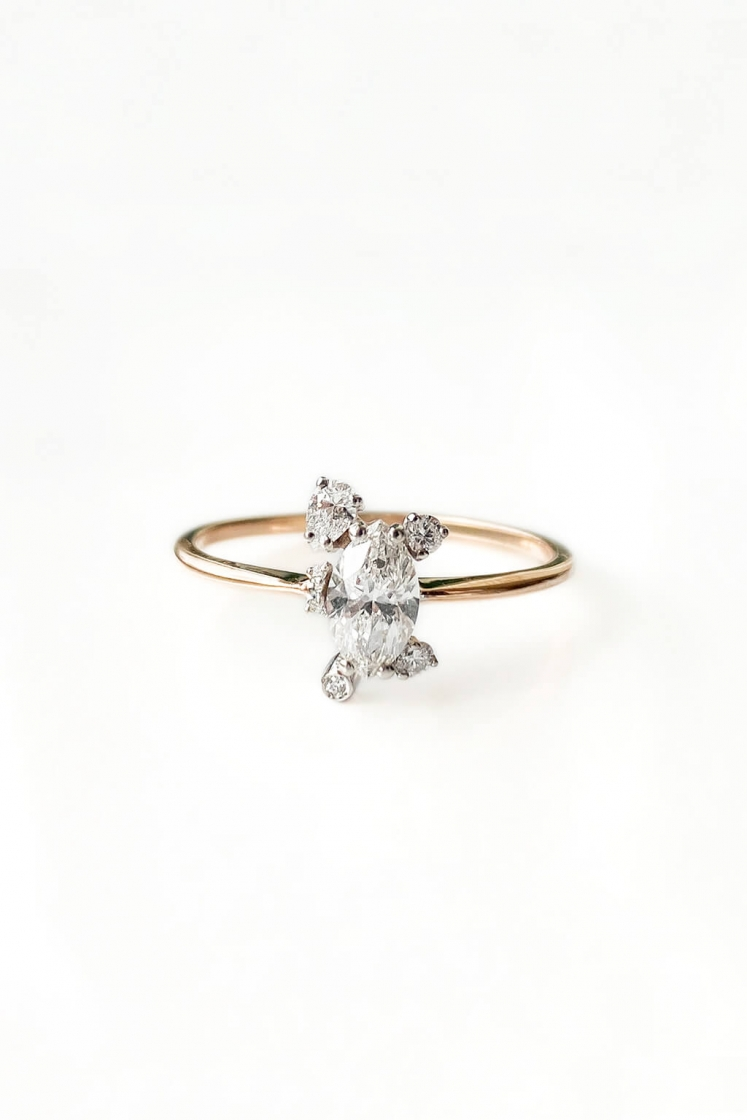 Big Star Marquise gold ring