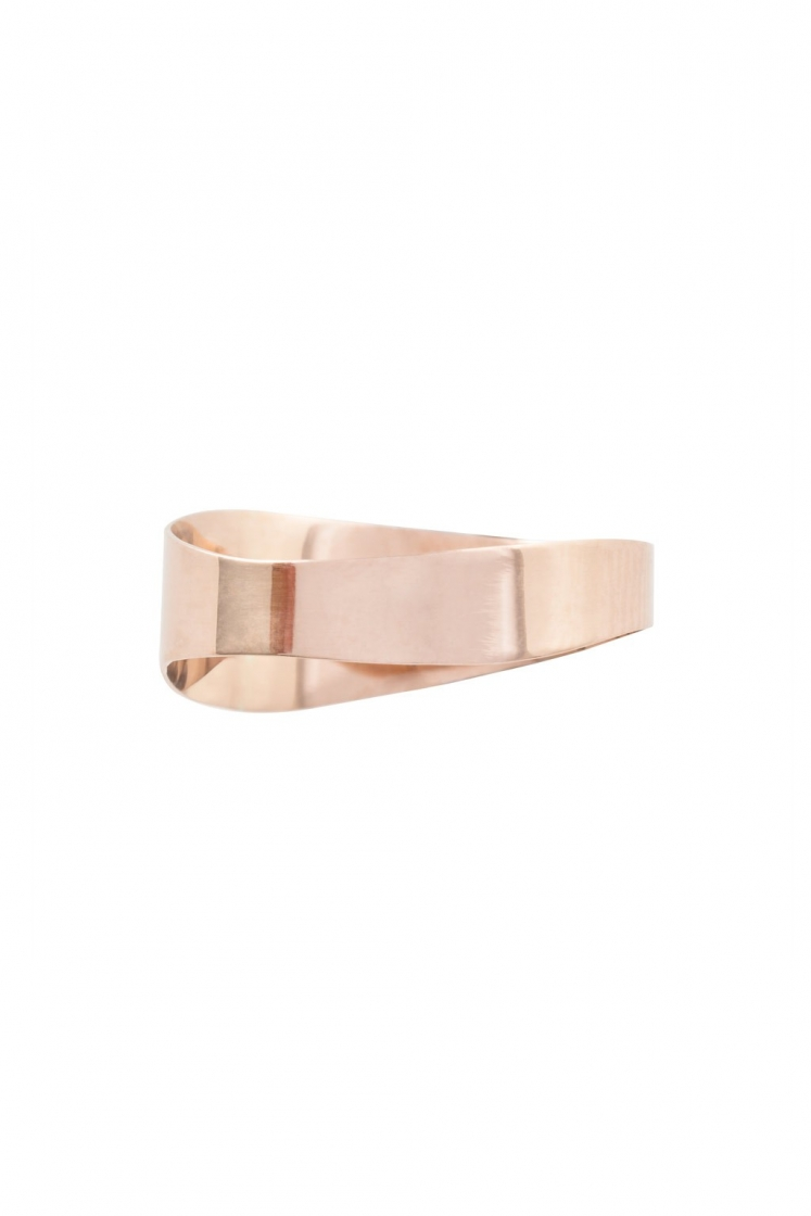 Irregular band gold pinky ring