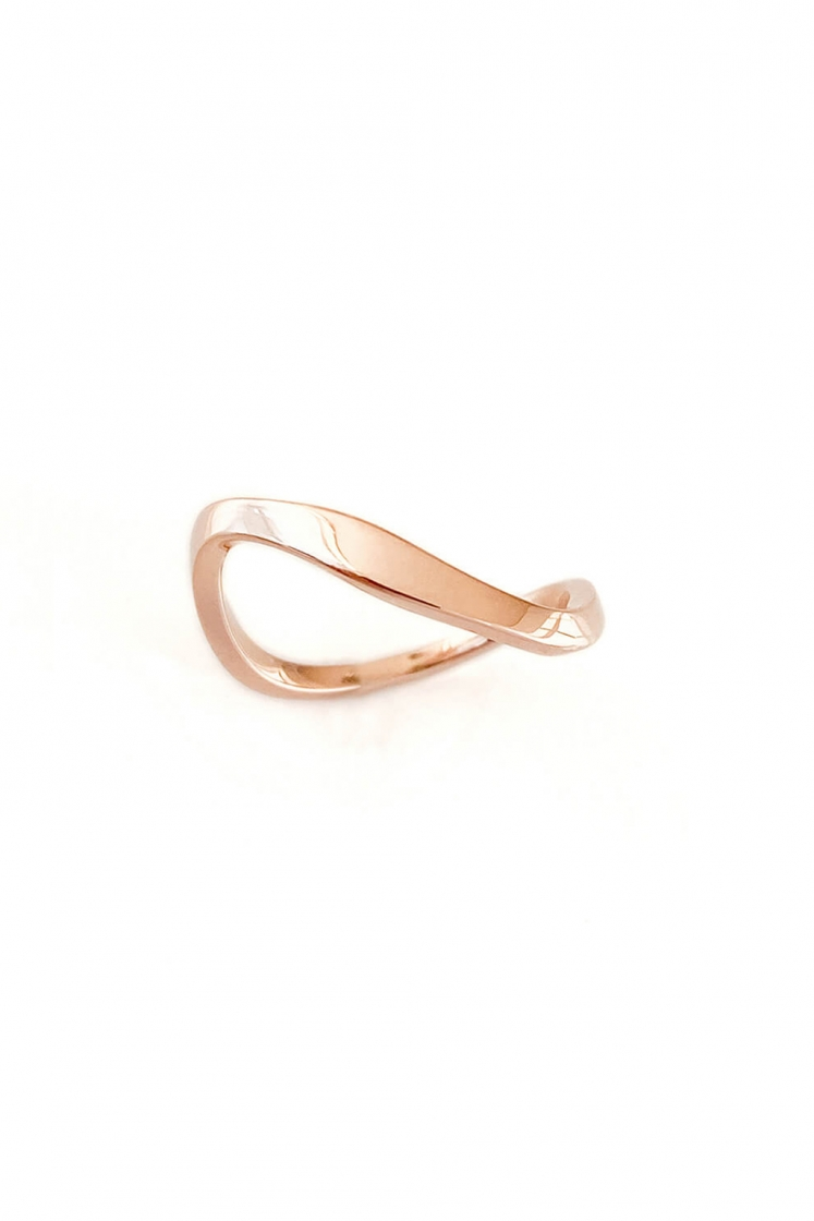 Wave Band gold ring